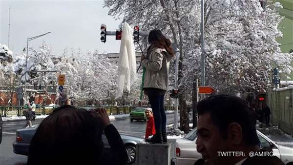 Video: Revolution der Frauen: Hijab-Proteste im Iran