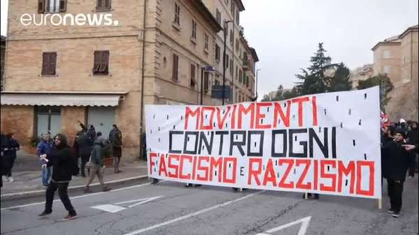 Video: Macerata marschiert gegen Rassismus