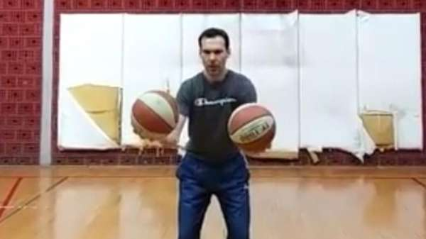 Video: Krass! Basketball-Coach zeigt erstaunlichen Trick-Shot