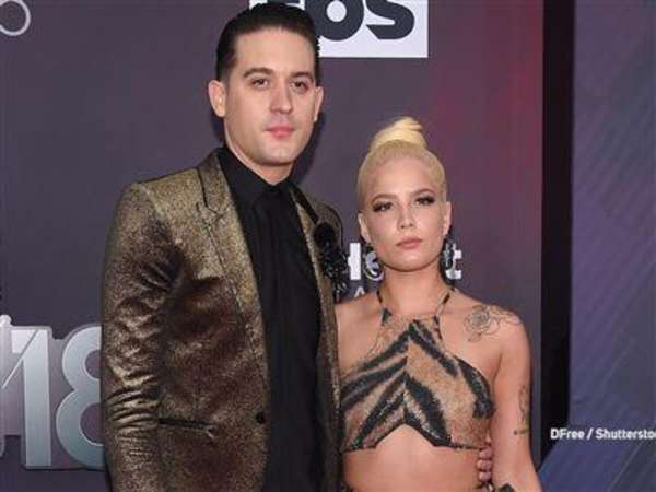 Video: G-Eazy vergisst Pass: Sicherheitskontrolle mit Cover