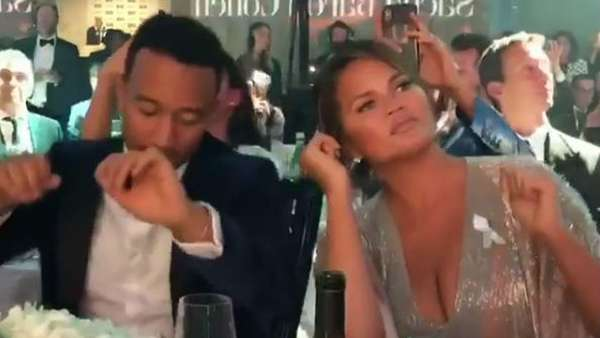 News video: Mit Stil! John Legend & Chrissy Teigen rocken die GQ Awards