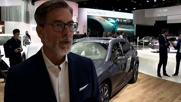 News video: Showtime und Showkrise: Pariser Autosalon | DW Deutsch
