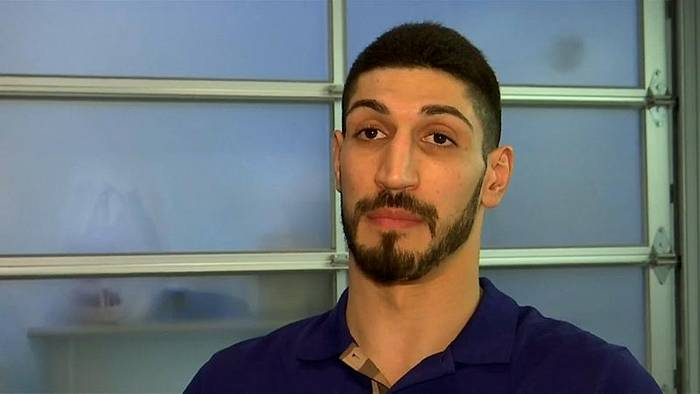 News video: Basketball: NBA-Star Enes Kanter fliegt nicht nach London - aus Angst um sein Leben