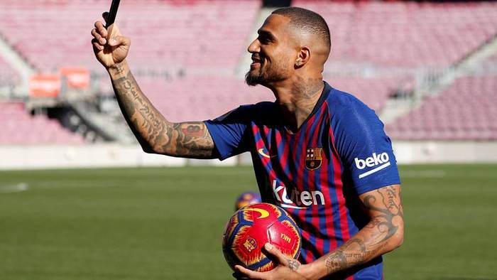 Video: FC Barcelona leiht sich Boateng