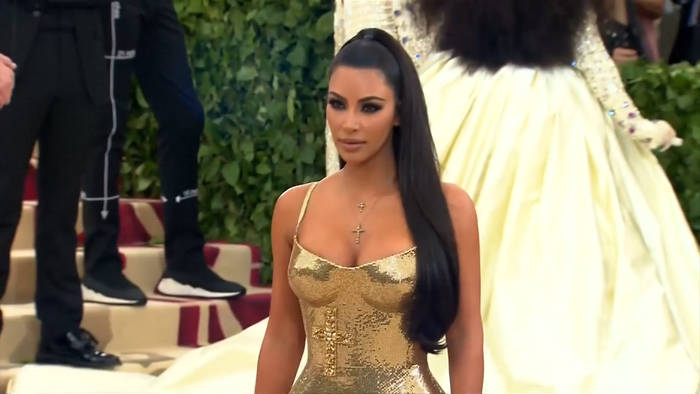 News video: Beauty-Streit: Kardashians über 10 Millionen Dollar zugesprochen