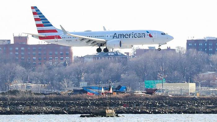 Video: American Airlines: Boeing 737 Max bleiben bis zum 19. August am Boden
