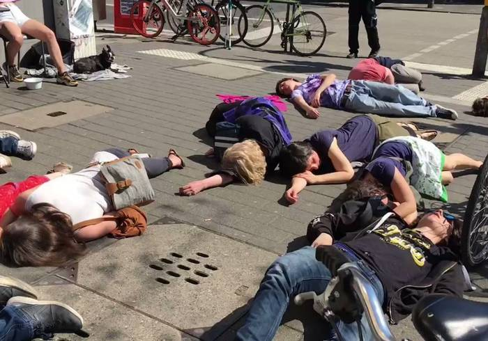 Video: Extinction Rebellion Protesters Stage 'Die-In' in Cologne