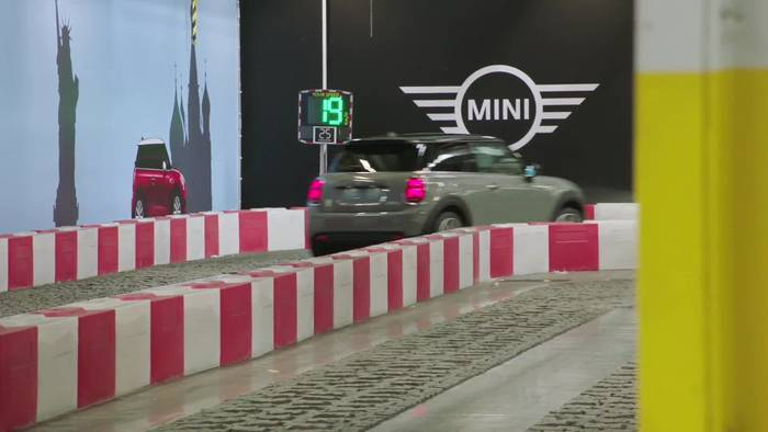 News video: Produktion des MINI Electric im MINI Werk Oxford Montage