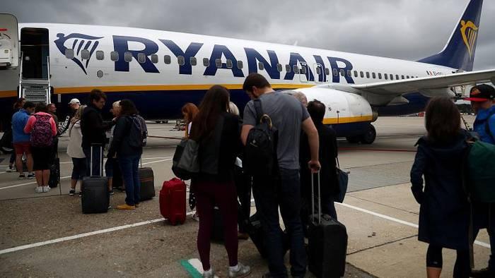 Video: Zu viele Piloten: Hunderte Jobs bei Ryanair in Gefahr