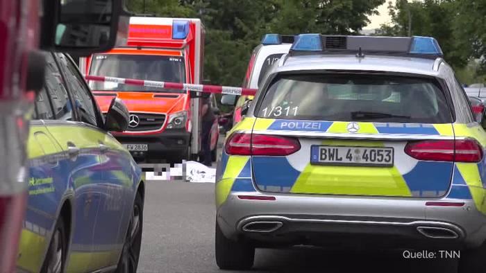 Video: Mann in Stuttgart mit schwertähnlichen Gegenstand erstochen
