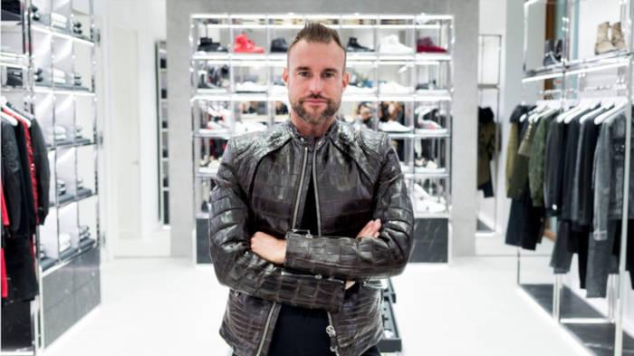 Video: Riesenzoff: Modedesigner Philipp Plein hat Ärger mit Ferrari
