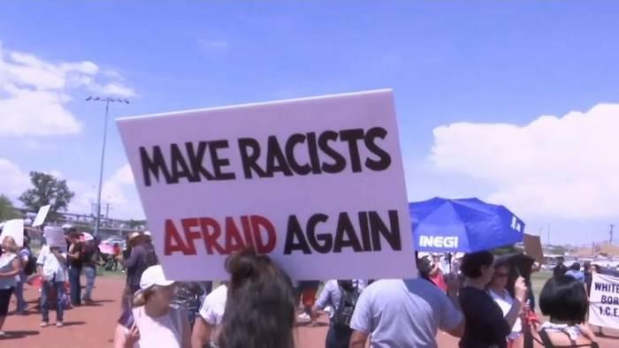 Video: Trump steht nach Massakern in der Kritik