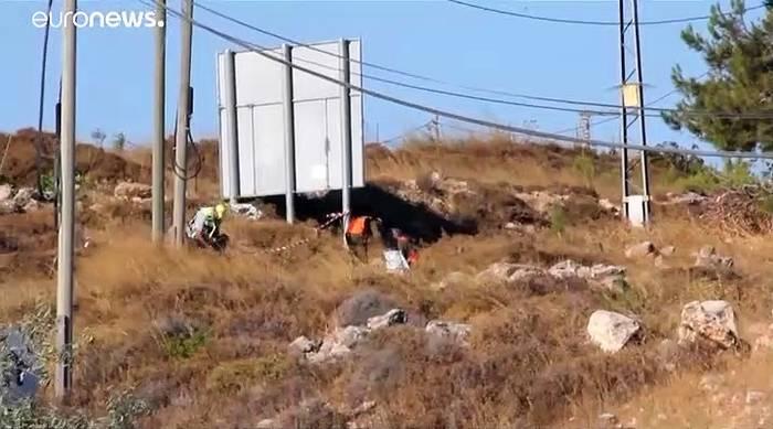 Video: Israelischer Soldat erstochen: Armee durchsucht palästinensisches Dorf