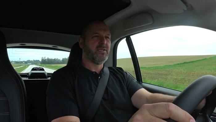 News video: Verbrauchstest - 100 km im smart EQ fortwo