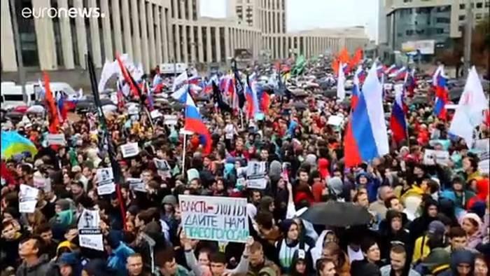 Video: Für faire Wahlen: Erneut Zehntausende auf Moskaus Straßen