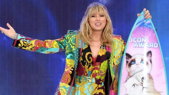 Video: Taylor Swift: Sie bezahlt die Studiengebühren von Fan