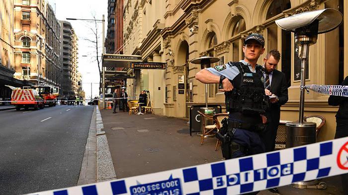 News video: Bluttat in Sydney: Mann sticht auf Passanten ein