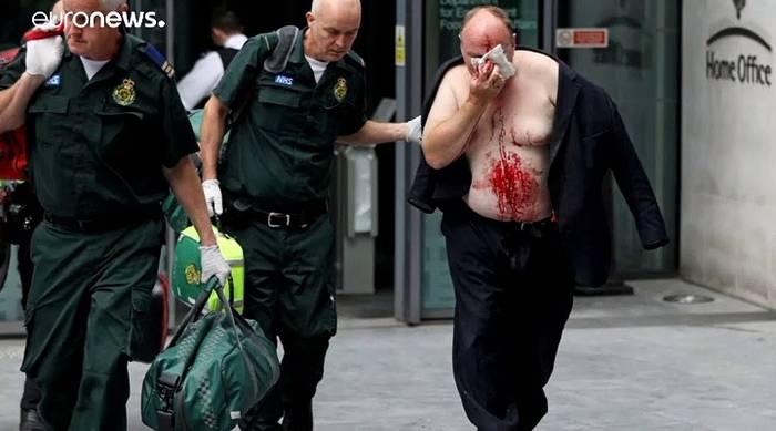 News video: Messerattacke in London: Mann vor britischem Innenministerium niedergestochen
