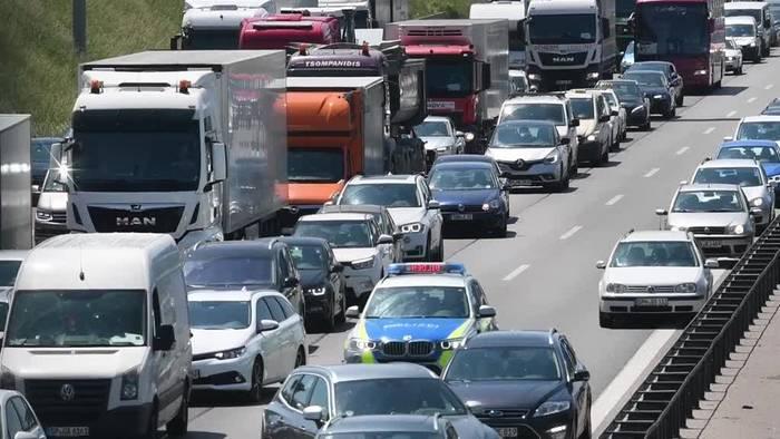 Video: Verkehrsminister Scheuer plant höhere Bußgelder