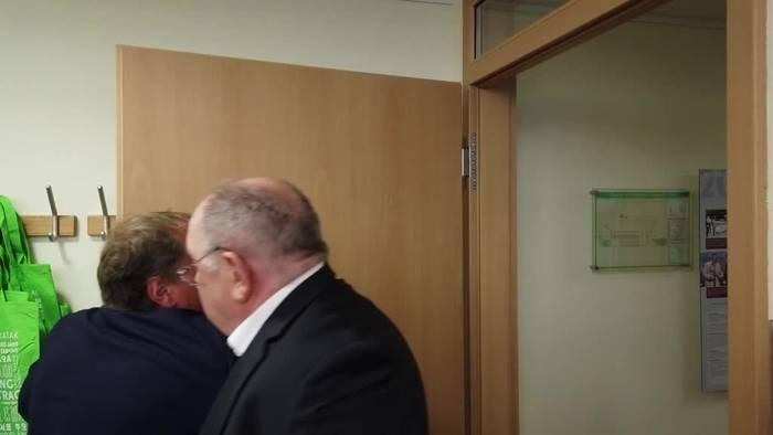 Video: Eklat bei Pressekonferenz der Doping-Opfer-Hilfe