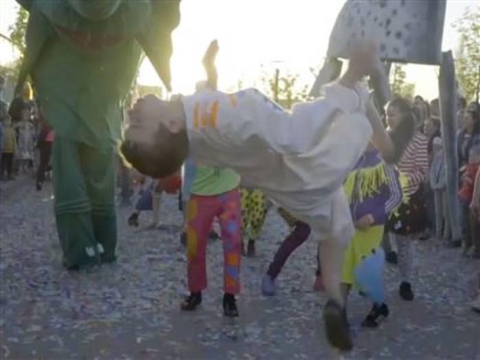 Video: Wie ein Zirkus das Leben von Kindern verändert