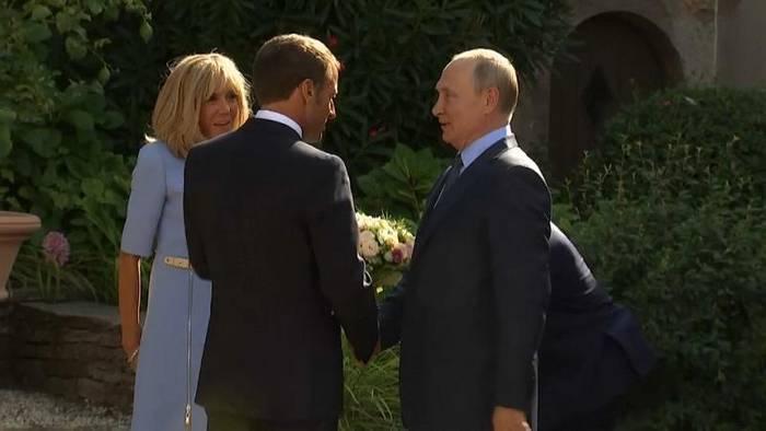 Video: Putin bei Macron: