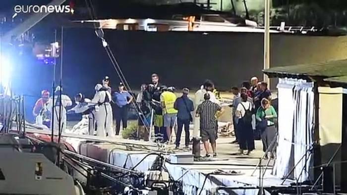 Video: Dramatische Situation auf Rettungsschiff - Flüchtlinge springen über Bord