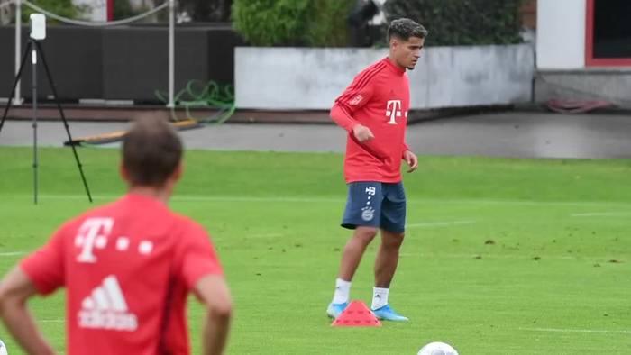 News video: Erstes Bayern-Training von Coutinho vor vielen Fans