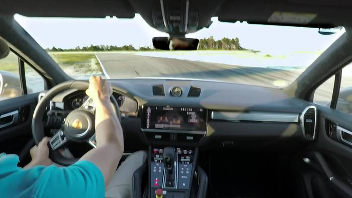 Video: Porsche Cayenne Turbo S E-Hybrid setzt ungewöhnlichen Rundenrekord