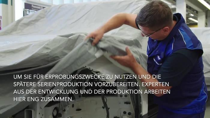 News video: BMW Group baut Prototypen des BMW iNEXT im Pilotwerk