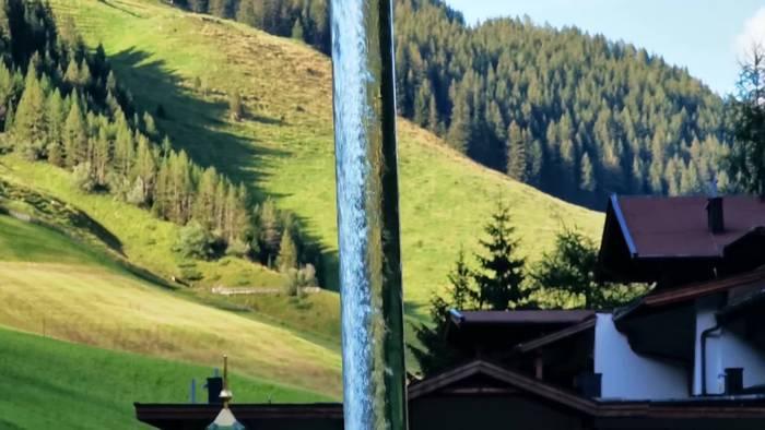 News video: Der Magische Wasserhahn am Hintertuxer Gletscher!