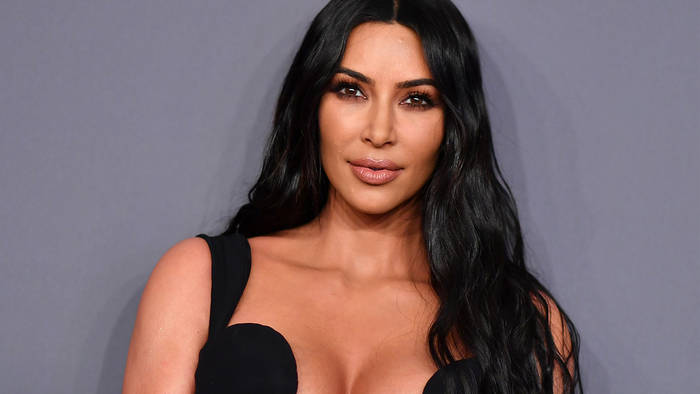Video: Nach Kimono-Skandal: Kim Kardashian nennt Shapewear-Kollektion um