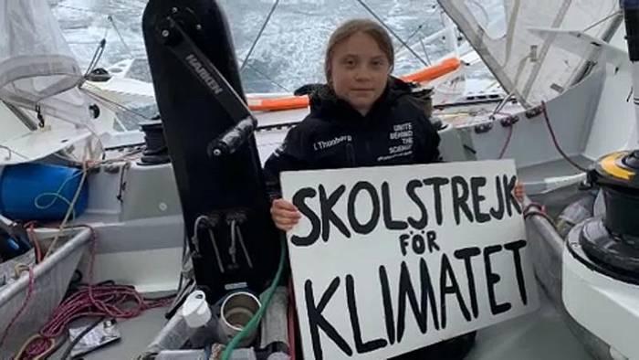 Video: Wieder auf festem Boden: Greta Thunberg erreicht New York