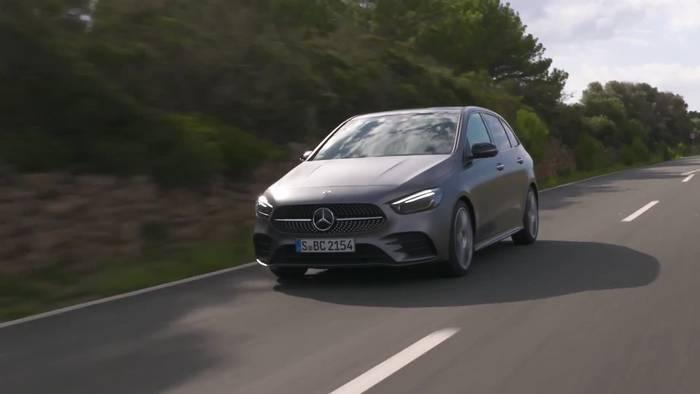 Video: Mercedes-Benz B 220 d in Grey magno - Driving Event Mallorca
