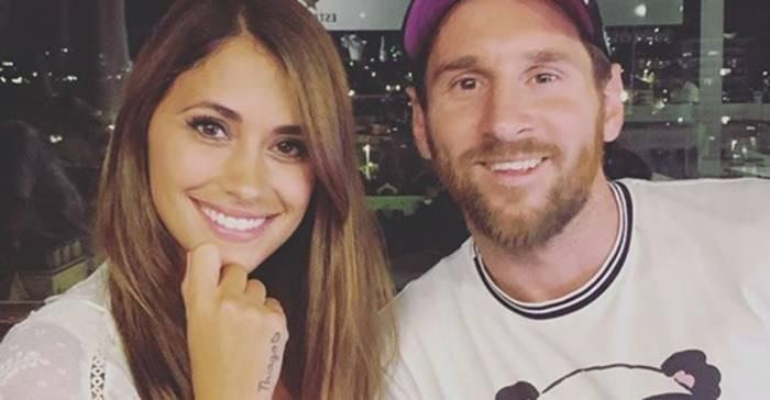 News video: Foto von Messi und Ehefrau Antonella: Dieses kleine schelmische Detail macht alle verrückt!