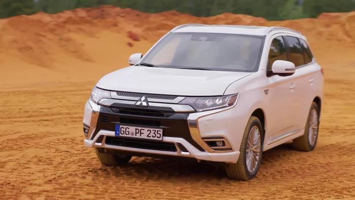 Video: Taxi des Jahres 2019 - Doppelsieg für Outlander Plug-in Hybrid