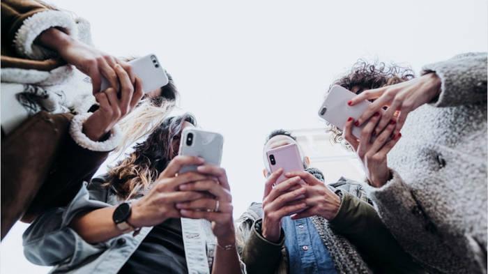 News video: 420 Millionen Telefonnummern waren öffentlich einsehbar