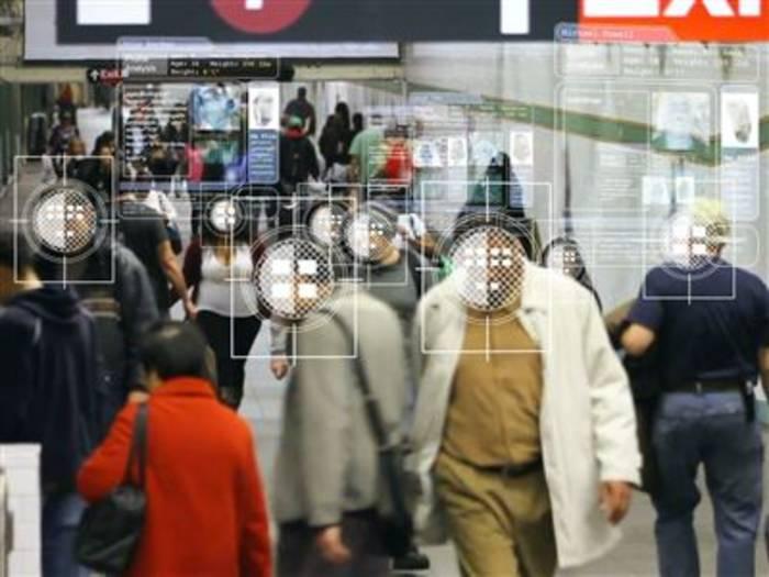Video: Haben wir bald Kameras mit Gesichtserkennung?