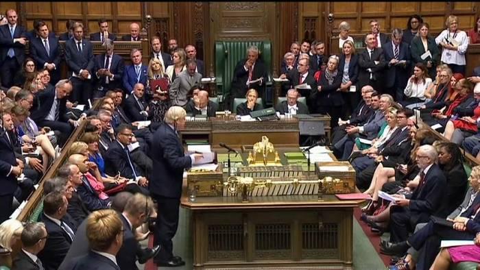 Video: Klage gegen Parlaments-Schließung kommt vor das oberste Gericht