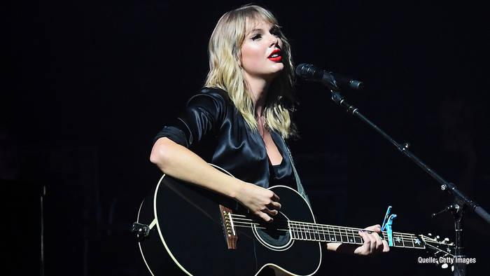 News video: Taylor Swift rockt Paris & Bibi Claßen feiert mit