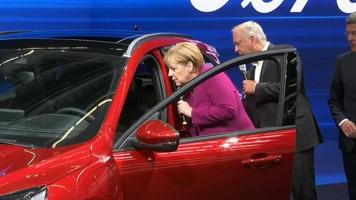 Video: Merkel zur IAA: Veränderte Mobilität als