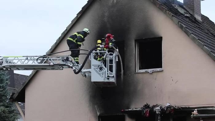 News video: Koblenz: Familienhaus einsturzgefährdet - Bewohner vermisst
