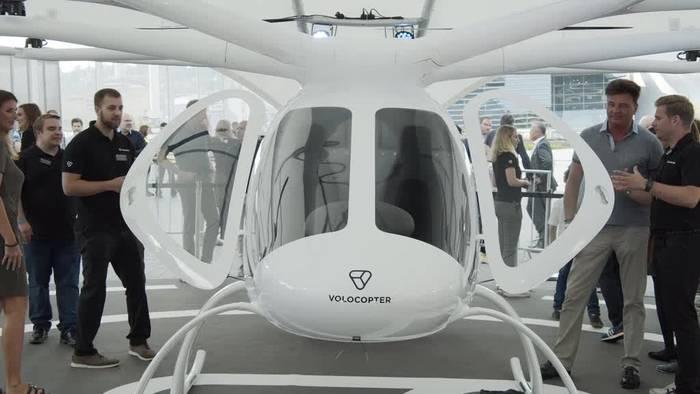 News video: Dem Stau entfliegen - Volocopter hebt über Stuttgart ab