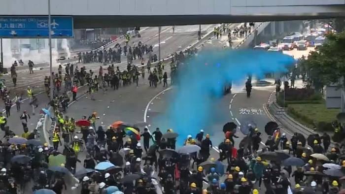 Video: Ausschreitungen in Hongkong