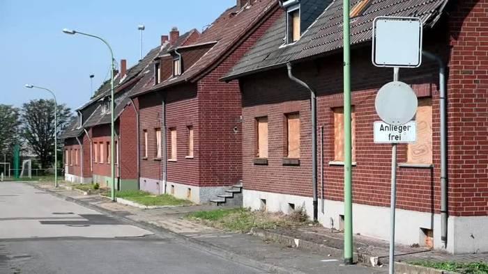News video: Totgesagtes Dorf am Hambacher Forst lebt vielleicht weiter