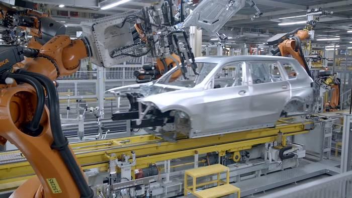 Video: Der neue BMW X7 - Karosseriebau