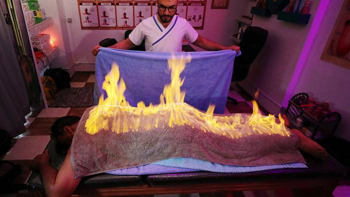 News video: Zur Entspannung: Masseur entfacht Feuer auf dem Rücken seiner Kunden