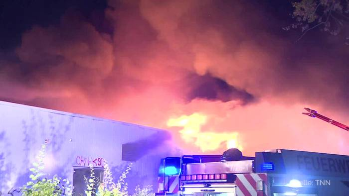 News video: Brandenburg: Großbrand zerstört Einkaufszentrum in Wildau