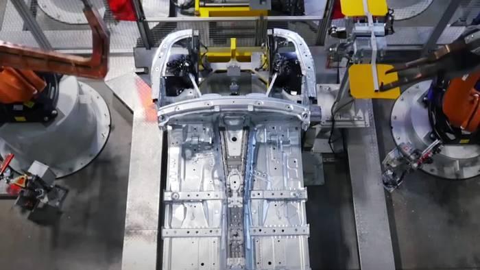 Video: IAA 2019 Magna - Neues aus der Welt der Auto-Zuliefer-Industrie
