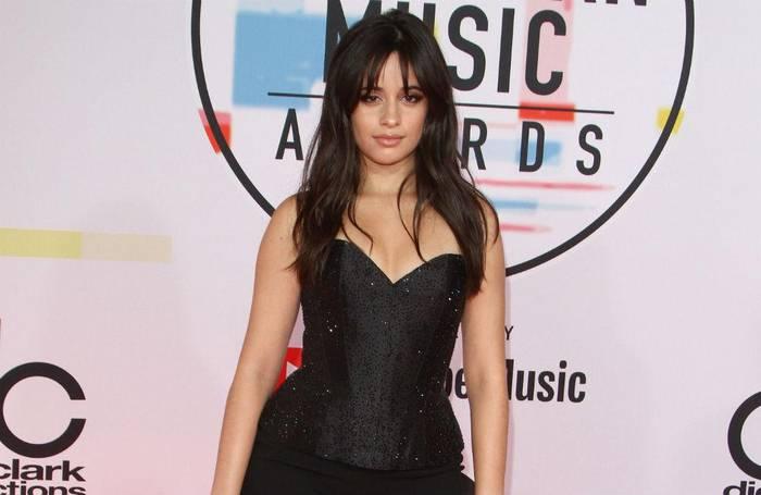 Video: Camila Cabello nimmt Rücksicht auf jüngere Schwester